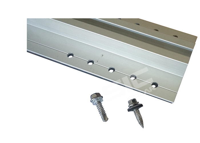 Self-tapping screw for roof